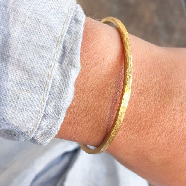 TARA STYLE Armband Karma Bangle Gold Altrosa