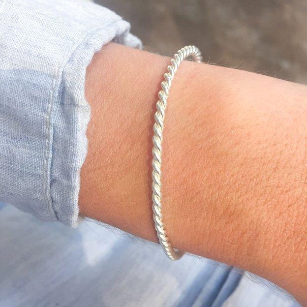 TARA STYLE Armband Karma Bangle Twisted Silber Altrosa