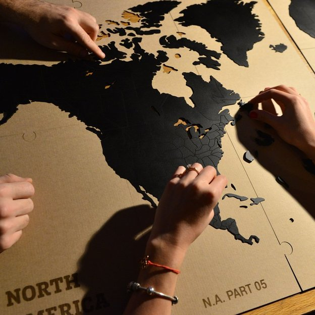 Puzzle carte du monde en bois - déco do it yourself