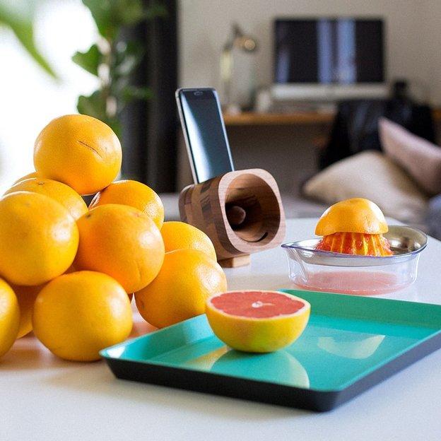 Trobla iPhone Audio-Verstärker aus Ahorn und Walnuss