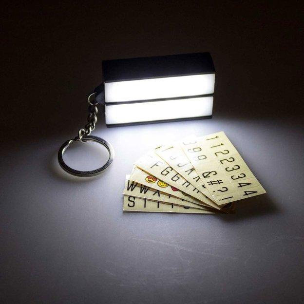 Porte-clés LED à message lumineux Light Box rétro