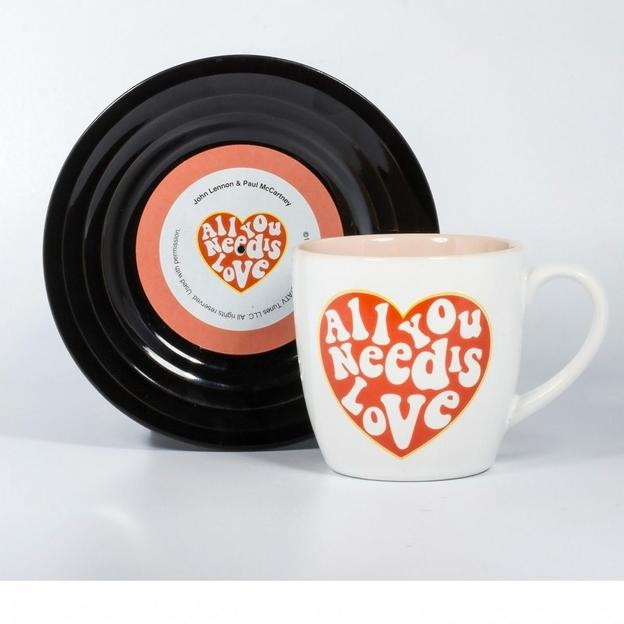 Tasse et soucoupe All you need is Love