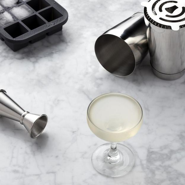 The Shaken Cocktail Set von W&P Design NYC