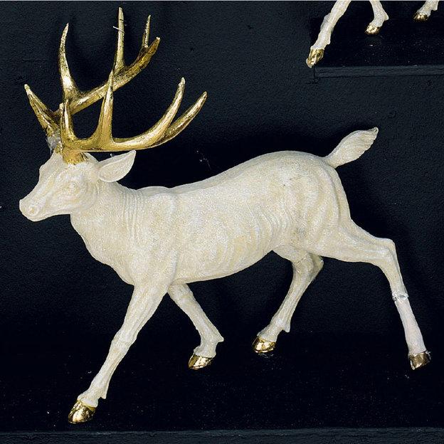 Statuette de cerf aux bois d'or