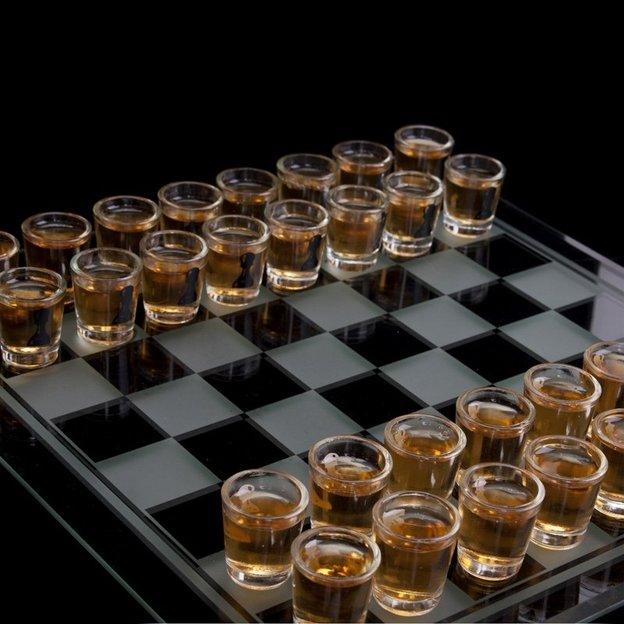 Jeu à boire Echecs avec verres à shot
