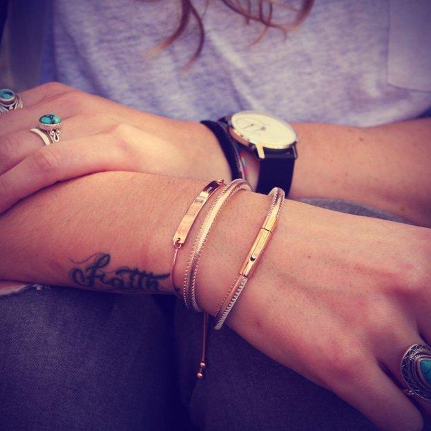 Personalisierbares Leder-Armband roségold