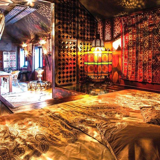 Love Room orientale XXL 150 m2 L'Île aux trésors (pour 2 pers.)