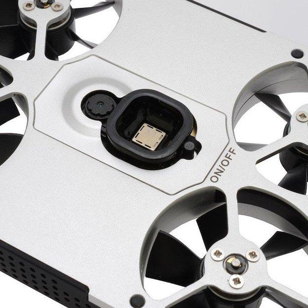 AirSelfie mini drone pour faire des selfies avec batterie externe