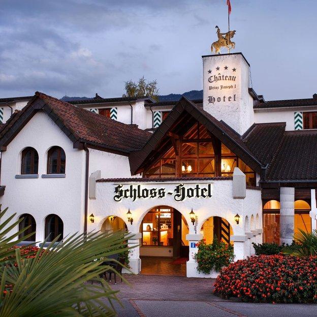 Nuit au Schloss-Hotel avec vue sur le lac, Merlischachen (pour 2 personnes)
