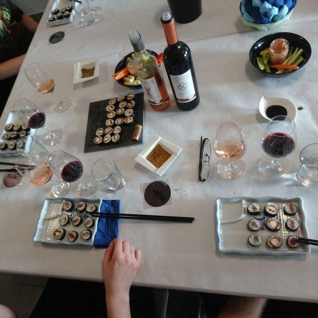 Wein & Sushi degustieren (für 2 Personen)