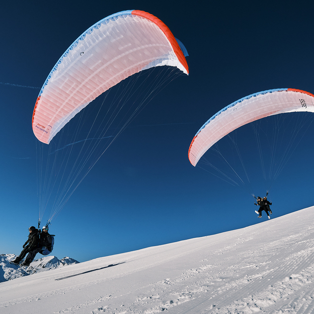 Pärchen Gleitschirm Tandemflug in Davos Klosters (für 2 Personen)