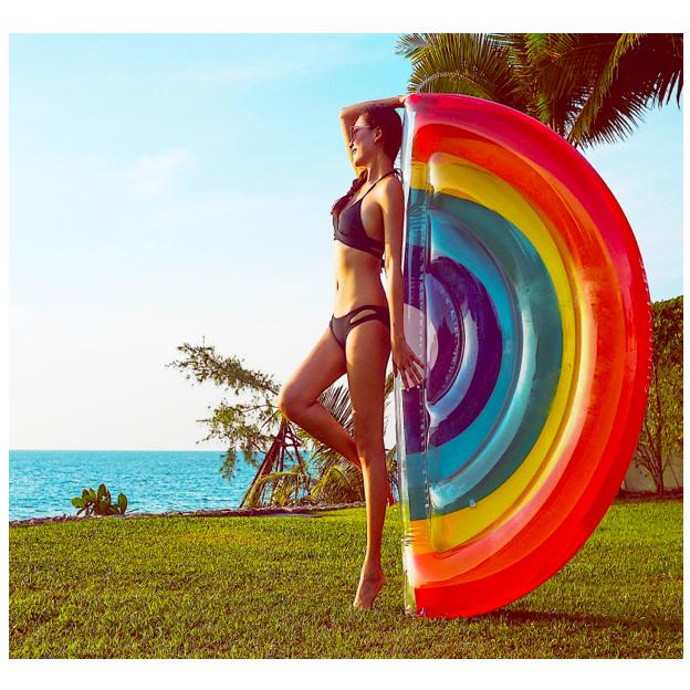 Luftmatratze Regenbogen