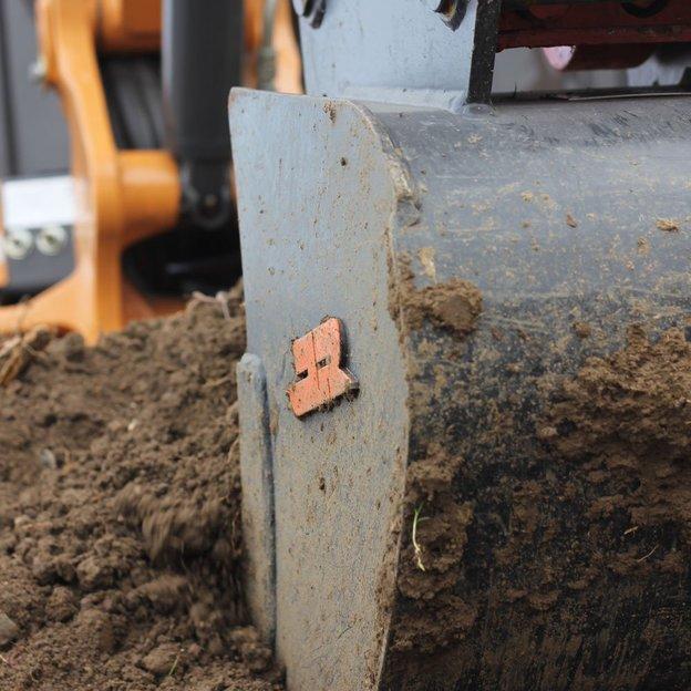 Conduite d'un engin tractopelle de 16 tonnes (1 personne)