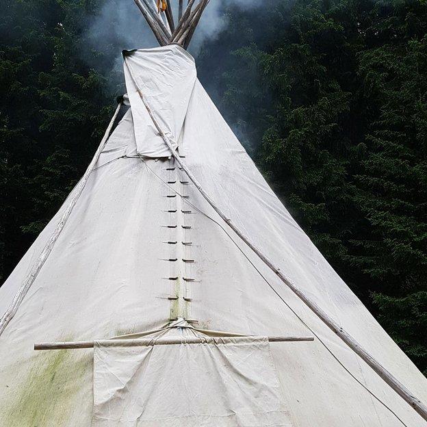 Übernachtung im Tipi in imposanter Bergwelt hoch über dem Alltag (für 2 Personen)