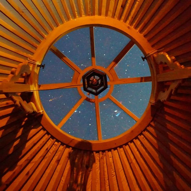 Nuit dans une yourte panoramique à la montagne (pour 2 pers.)