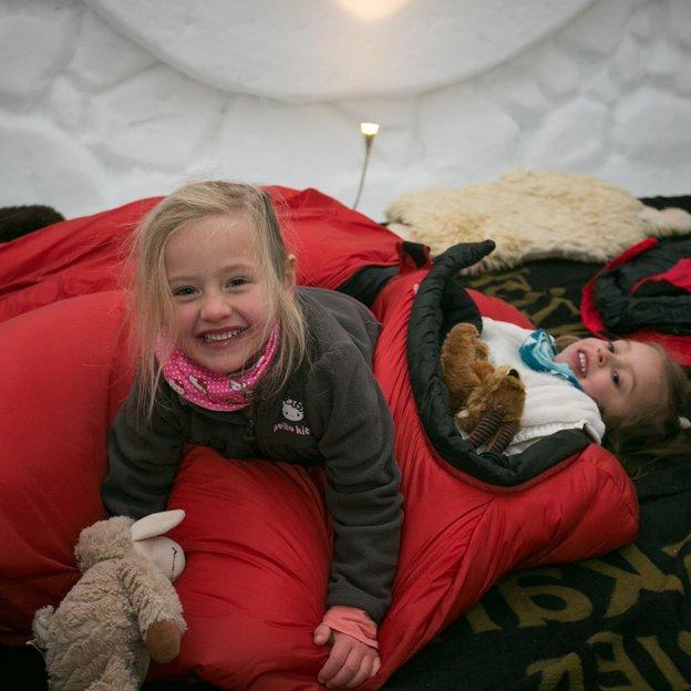 Übernachtung im Familien-Iglu für 3 (2 Erwachsene & 1 Kind)