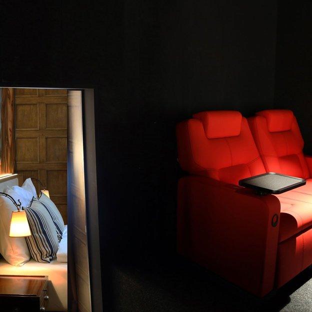 Nuit au cinéma dans une chambre à thème (2 pers.)