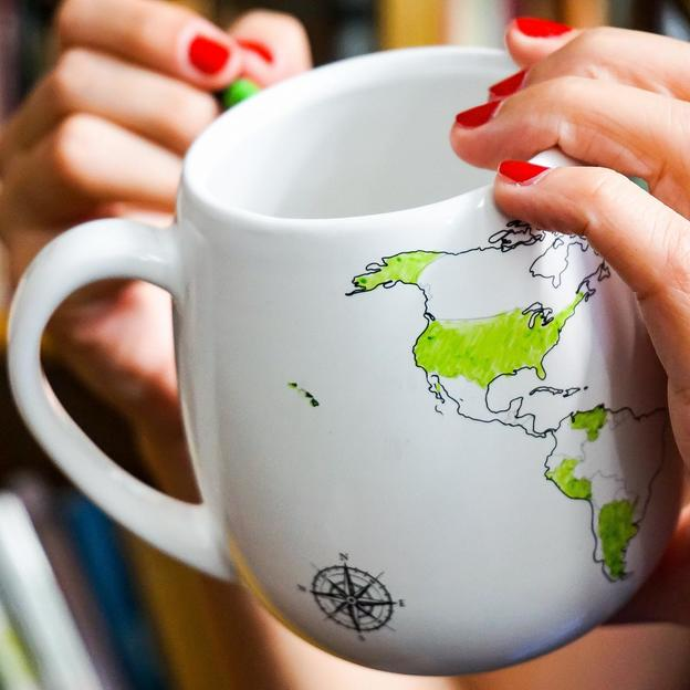 World Mug/Tasse mit Keramikfarben-Stift zum personalisieren