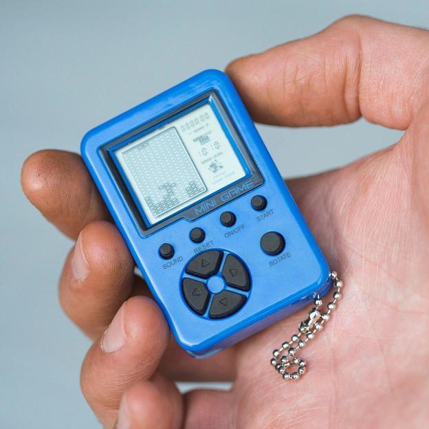 Mini-console rétro porte-clés avec 26 jeux