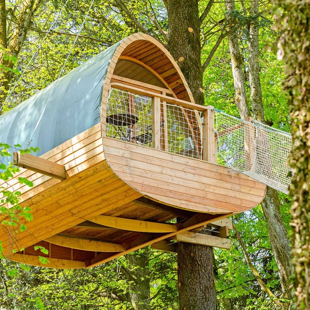 Nuit insolite dans une cabane perchée dans les arbres avec petit-déjeuner (2 pers.)