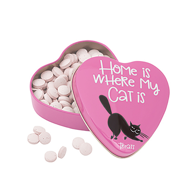 Leckerli in Herzdose Katze