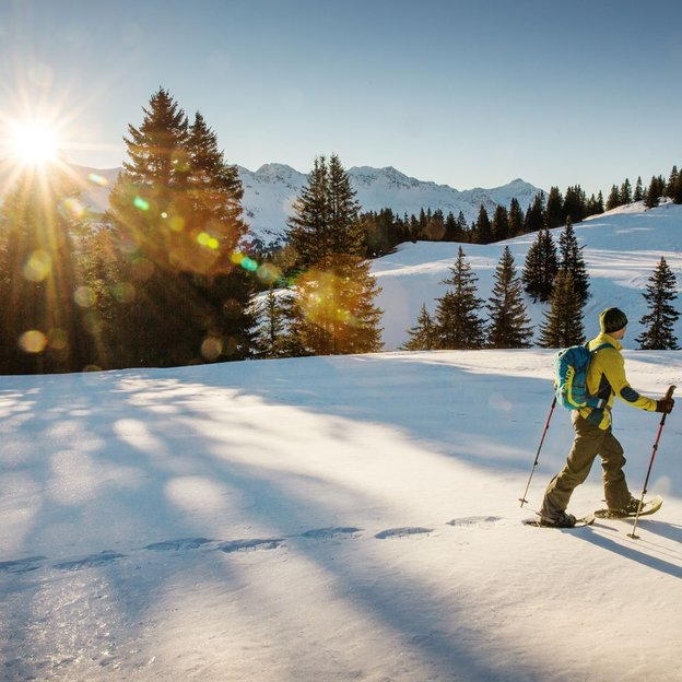 Schneeschuh-Wanderung Kulinarik-Tour Dreibündenstein für Kinder 6 - 16 Jahre (für 1 Kind)