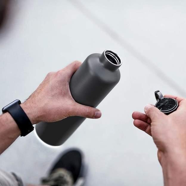 Bouteille personnalisée Equa Dark Grey SMART, 680 ml
