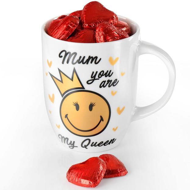 Tasse « Mum, you are my queen » avec cœurs en chocolat