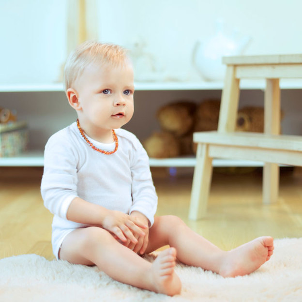Amberos Natur-Bernstein Babykette honig-gelb