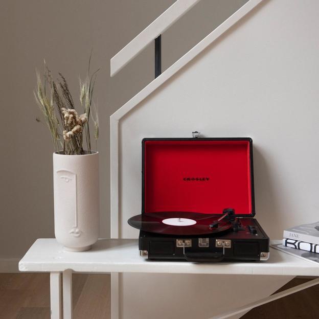 Crosley Cruiser Deluxe Plattenspieler schwarz-rot