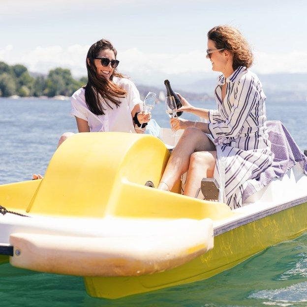 Pique-nique et virée de 2h en pédalo sur le lac de Zurich (pour 2 personnes)